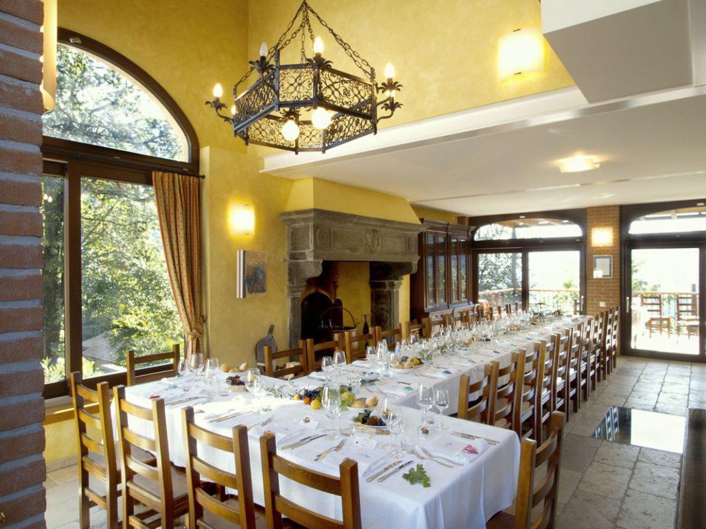 b&-bed-breakfast-camere-natura-canton-ticino-lago-lugano-Cesare-Lucchini-sala-banchetto